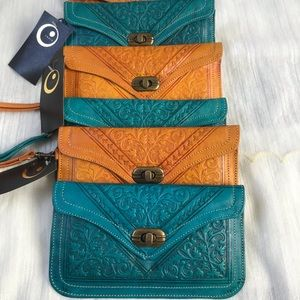 💯 Vintage and genuine Leather Women Wallets.